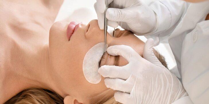 Prístrojové čistenie pleti s masážou alebo predĺženie mihalníc Lash Lifting