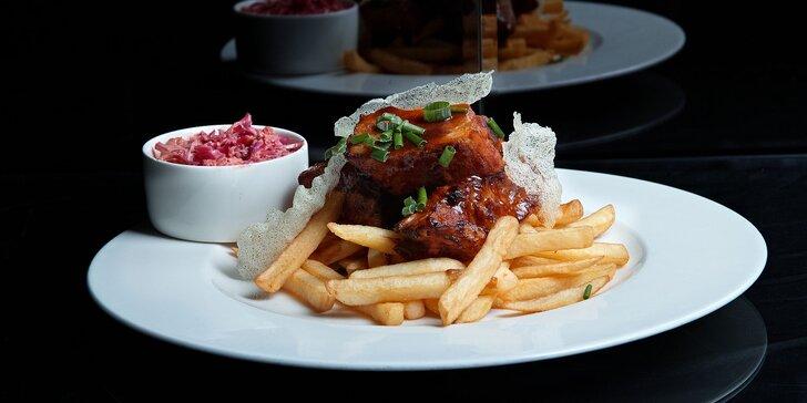 Pečené rebrá či svieži wrap s trhaným mäsom v reštaurácii V inom svete