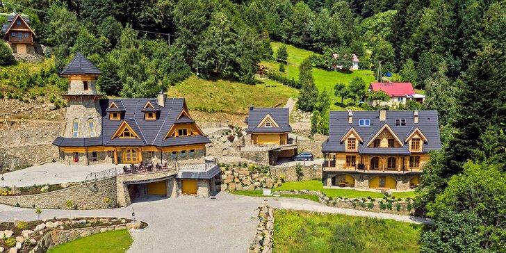 5* rezort v poľských Beskydách: pobyt až pre 4 osoby s raňajkami, wellness a bazénom