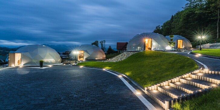 Romantika v luxusných kupolách s vírivkou a výhľadom na hory