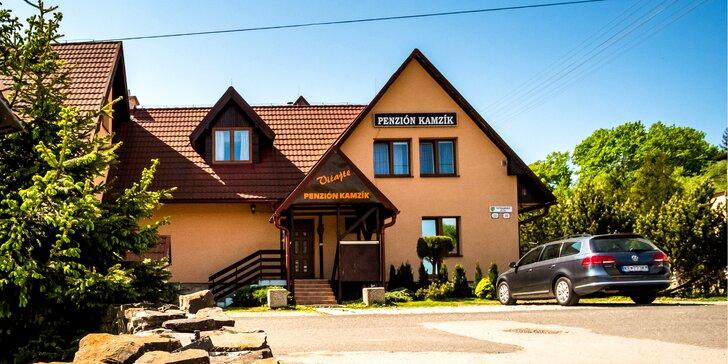Dovolenka na čerstvom vzduchu pod Tatrami v Penzióne Kamzík*** s turistikou, relax zónou aj polpenziou