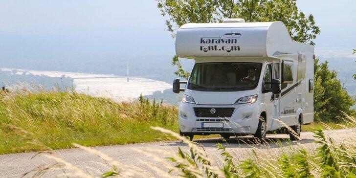 Prenájom rodinného karavanu CARADO A 461 s kempingovým vybavením na 2 až 7 dní