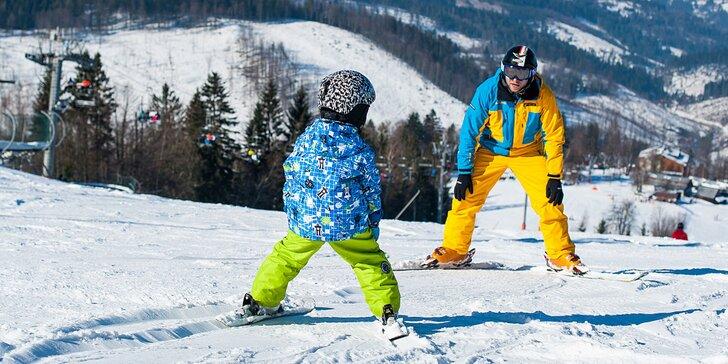 Skupinová lekcia lyžovania s inštruktorom pre začiatočníkov i pokročilých vo Veľkej Rači
