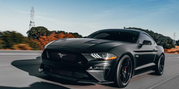 Doprajte si poriadnu jazdu na FORD MUSTANG GT 5.0 ako vodič alebo spolujazdec