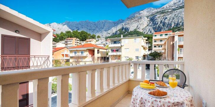 Dovolenka v Chorvátsku: Apartmány s terasou v centre Makarskej, 5 minút od pláže