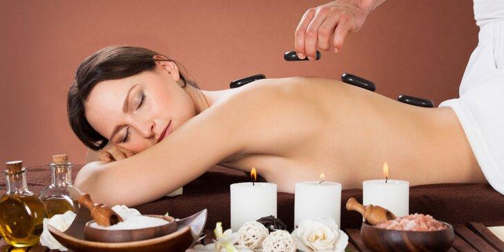 Relaxačná masáž horúcimi lávovými kameňmi a parafínový zábal