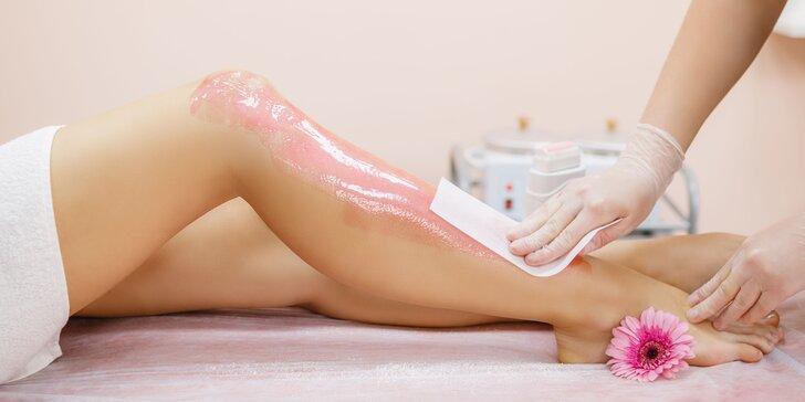 Bezchybne hladká pokožka až na niekoľko týždňov vďaka epilácii voskom