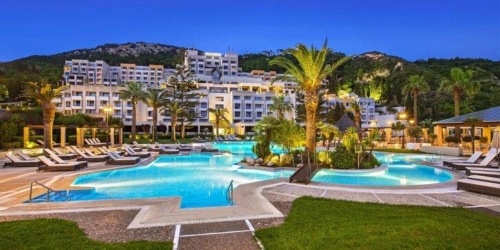 Luxusný pobyt v 5* rezorte priamo pri privátnej pláži: 5 bazénov, až 3 deti do 11,9 rokov majú pobyt zdarma