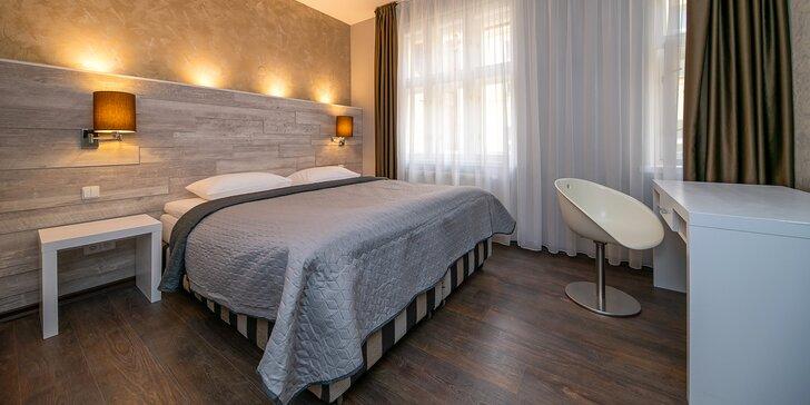 Romantický pobyt v centre Prahy: moderný apartmán so samostatnou spálňou a fľašou vína