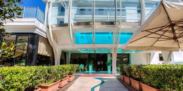 Dovolenka v talianskom Riccione: 4* hotel s raňajkami, bazénom a saunou, 150 m od pláže