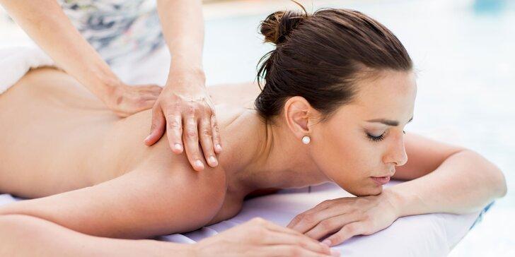 Zbavte sa bolestí: manuálna terapia alebo mäkké techniky u fyzioterapeutky