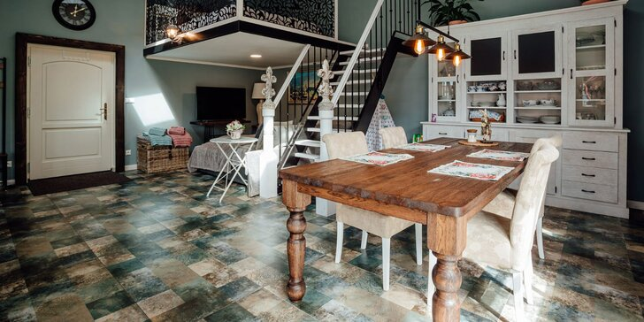 Komfortný apartmán v centre historickej Banskej Štiavnice: súkromie, záhrada a bazén