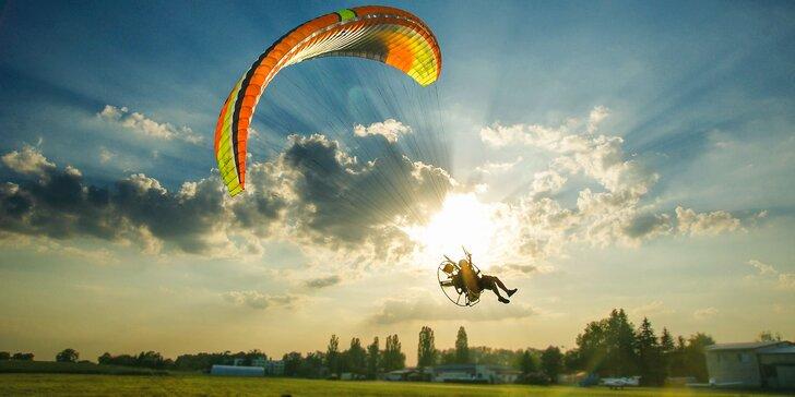 Motorový tandem paragliding s videozáznamom pri Bratislave