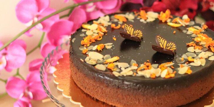 Cheesecake či torty z cukrárne Fajnotka až ku vám domov!