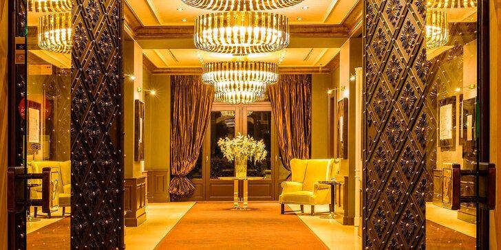 Luxusný 5 * odpočinok v centre Prahy: historický hotel s raňajkami aj večerou a wellnes