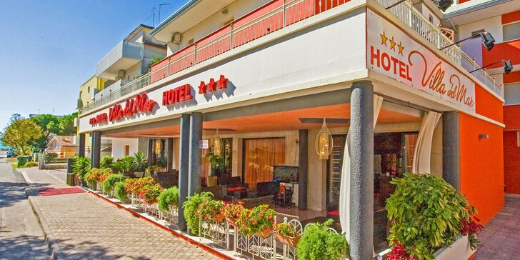 Dovolenka plná slnka v Bibione: hotel blízko pláže, raňajky a vírivka