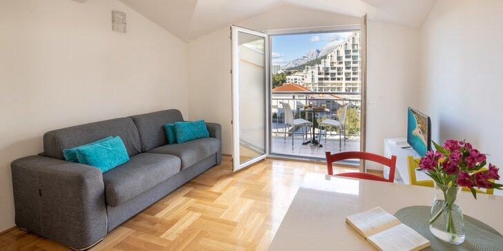 Dovolenka na Makarskej riviére: moderné apartmány s balkónom, len 50 metrov od pláže
