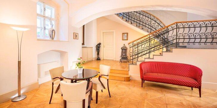 Pobyt v historickom centre Prahy: elegantný hotel, bohaté raňajky a fľaša vína