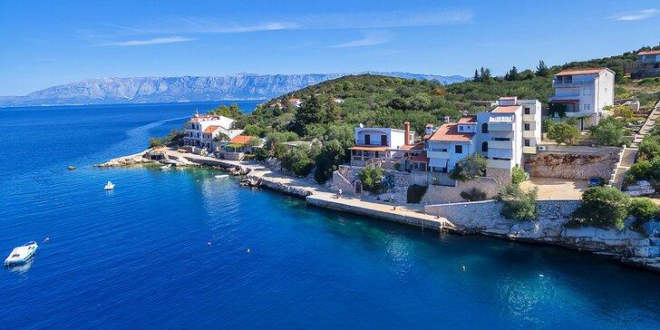 Pohoda na ostrove Hvar: komfortné apartmány na brehu krásnej zátoky pre páry a rodiny