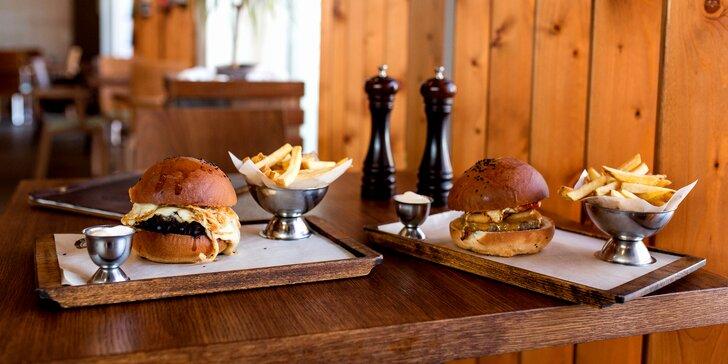 Colorado hamburger alebo Papas burger - každý s dvojitou porciou syra
