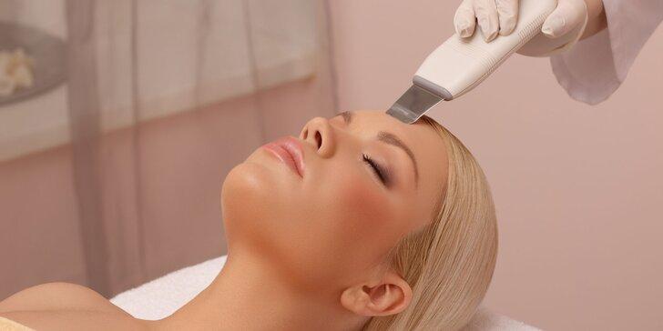 Rozjasňujúce ošetrenia, čistenia a masáže tváre v salóne J&J