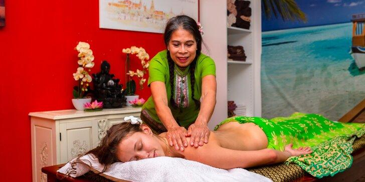 Celotelová kokosová olejová alebo tradičná thajská masáž + darčekové poukážky