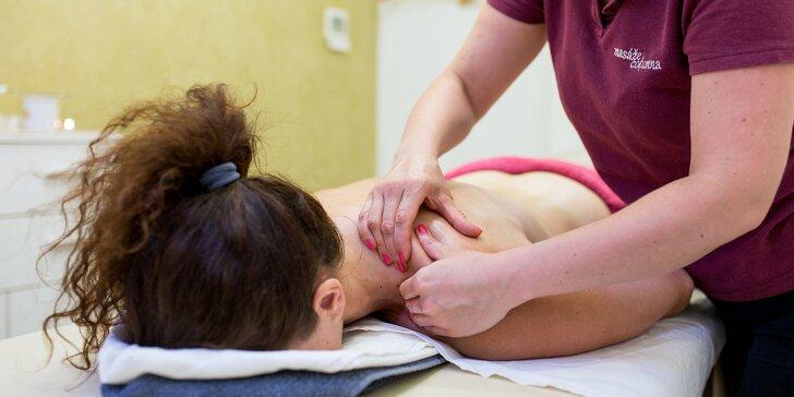 Klasická masáž chrbta, šije a rúk, bankovanie či reflexná masáž chodidiel