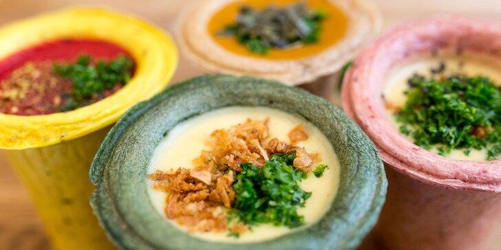Polievka v chlebovom poháriku + vegetatarák v košickom Soupculture