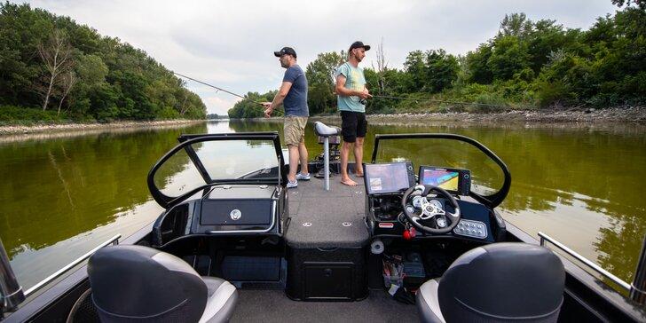 Zažite prívlač na dravce alebo lov sumca s vábničkou alebo klasickú rybačku z člna