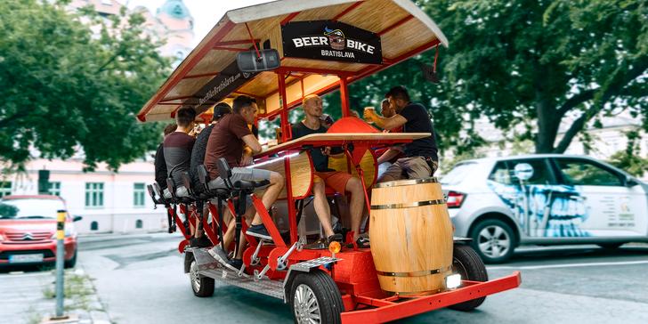Pivo či prosecco a bicykel pre celú partiu? To je Beer Bike!
