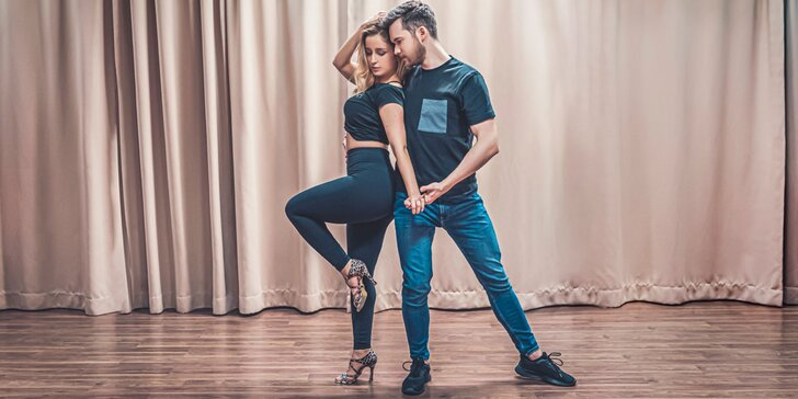 Tanečné kurzy bachaty pre 1 alebo 2 osoby v Dance Club SALSA by Norika