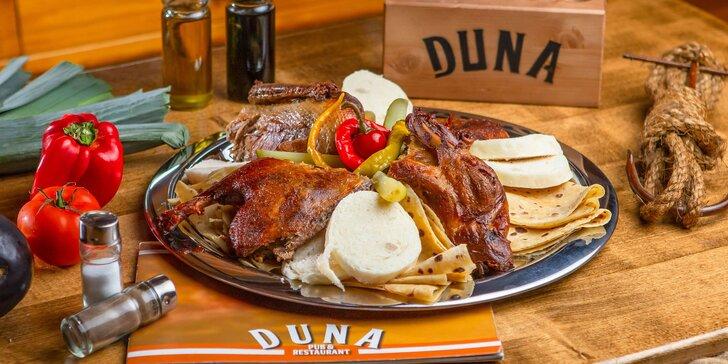 Kačacie hody pre 4 osoby v DUNA Pub & restaurant jesen 2021