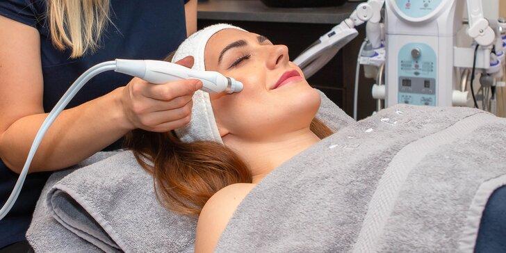 Relaxačné alebo hĺbkové ošetrenie pleti a kozmetická masáž tváre a dekoltu