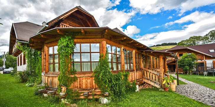 Pobyt v obľúbenom vidieckom sídle Gazdovský dvor v Bešeňovej s možnosťou výrazných zliav do Aquaparkov