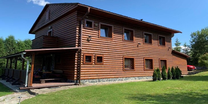 Zažite výnimočný pobyt neďaleko Oravskej priehrady: ubytovanie až pre 12 osôb s plne vybavenou kuchyňou a atrakciami pre celú rodinu