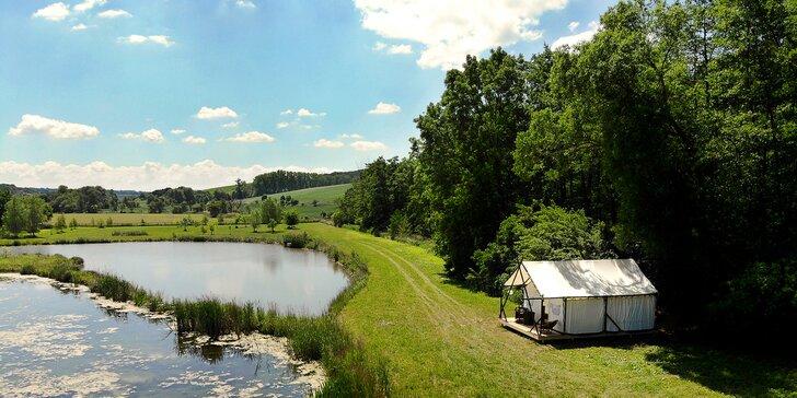 Glamping na Slovácku: parádny stan až pre 4 osoby pri pokojnom jazere a lese neďaleko Kyjova