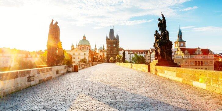 Romantický pobyt v centre Prahy - historická budova hotela a chutné raňajky