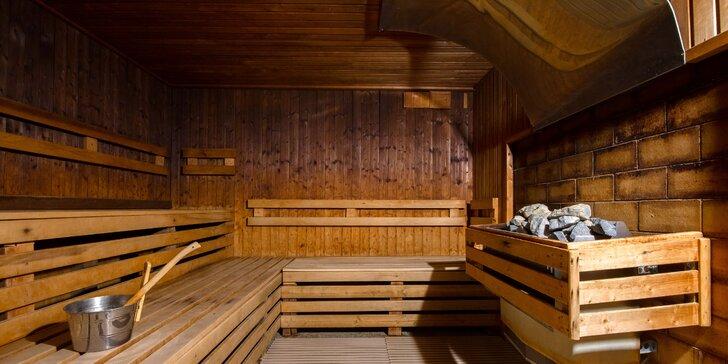 Celodenný vstup či permanentka do Relax centra Holiday