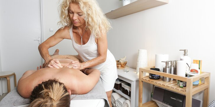 Špeciálna olejová masáž chrbta, ramien, šije a rúk + lymfodrenáž alebo bankovanie