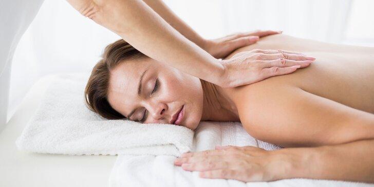 Relaxačná masáž alebo masáž lávovými kameňmi od profesionálnej masérky