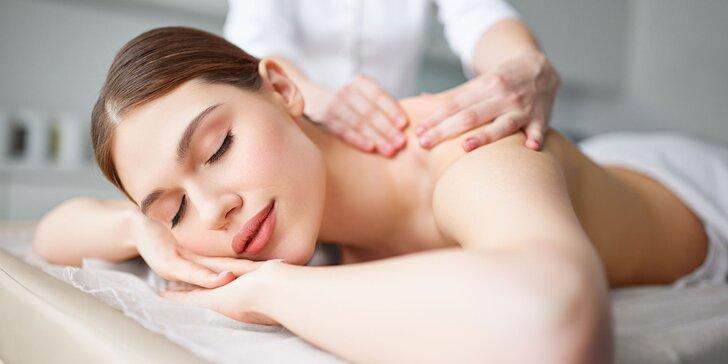 Uvoľnite sa vďaka profesionálnym masážam - klasická, masáž lávovými kameňmi a bankovanie