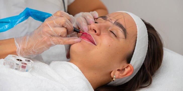 Permanentný make-up: púdrové obočie, očné linky a akvarelové pery