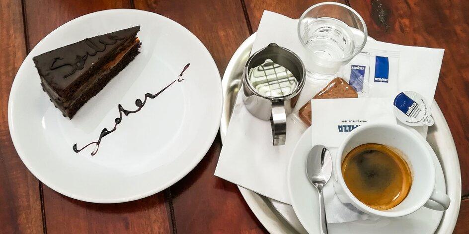 Káva a koláčik v centre Galanty