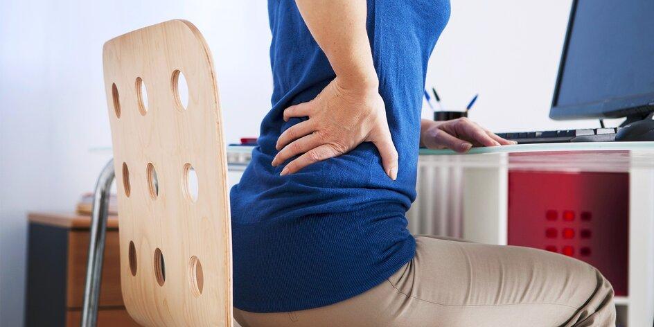 Masážna opierka chrbta na zníženie napätia v spodnej časti chrbtice
