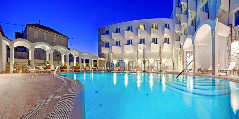 Dovolenka v Chorvátsku v Hoteli Korkyra s polpenziou v cene