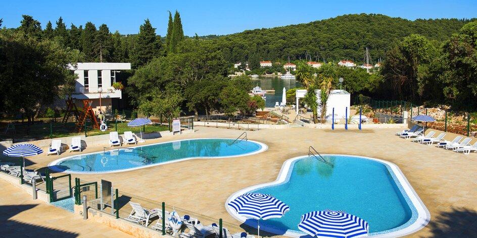 Apartmány na Korčuli s balkónom, polpenziou a vonkajším bazénom