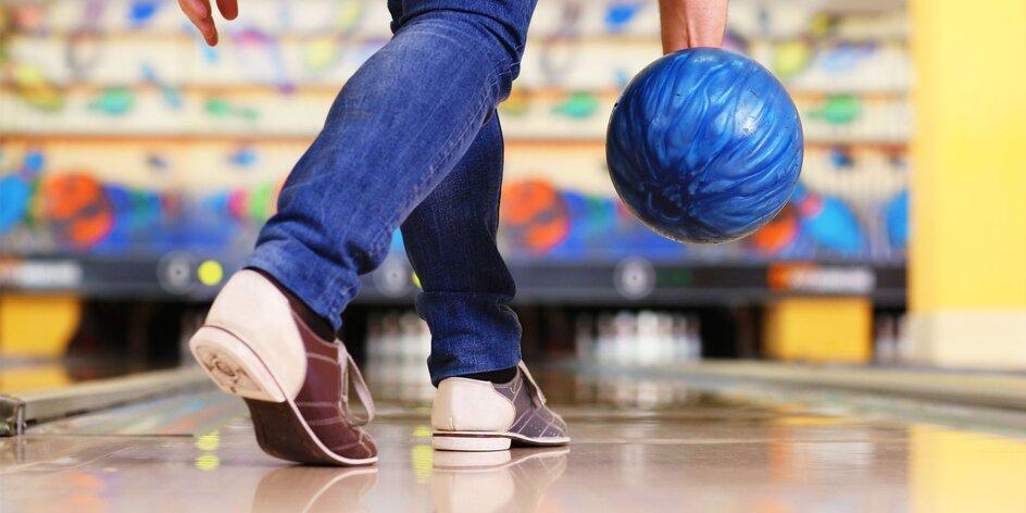 Hodina bowlingu s partiou a pizza k tomu!