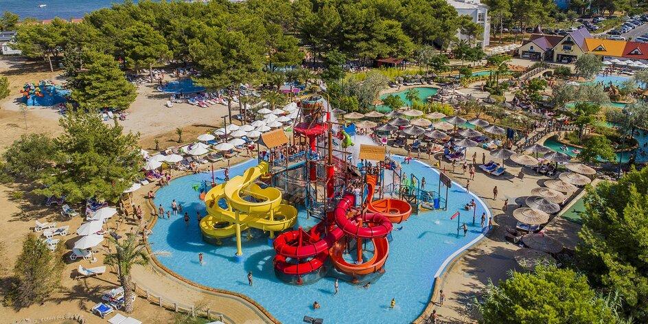 4* rezort v Šibeniku s aquaparkom: 2 deti do 11,9 rokov na prístelke zdarma