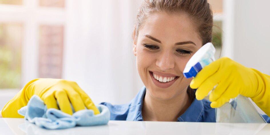 Upratovanie bytu alebo domu, umývanie okien či tepovanie