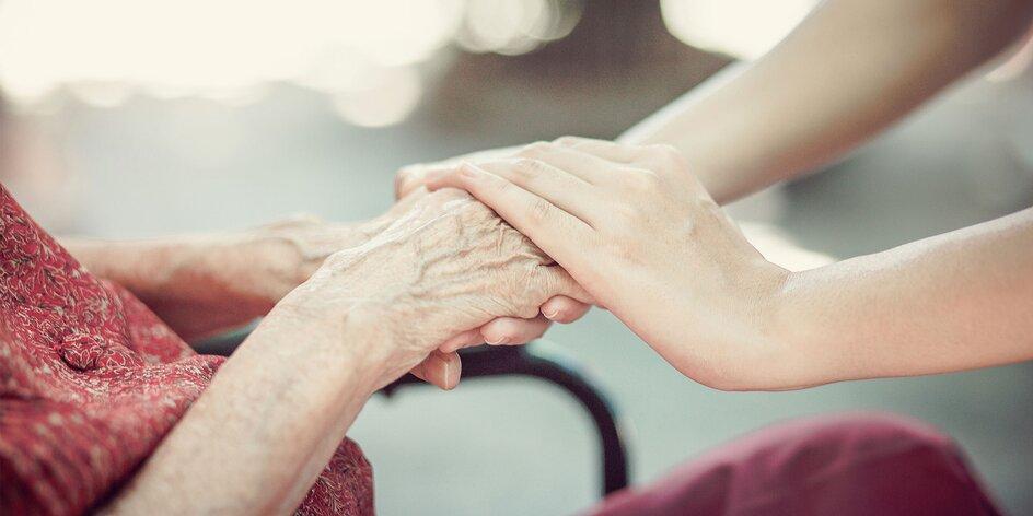 Buďme k sebe dobrí: Ako pomôcť seniorom a ohrozeným ľuďom vo svojom okolí?